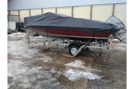Хранение лодок зимой на прицепе.
